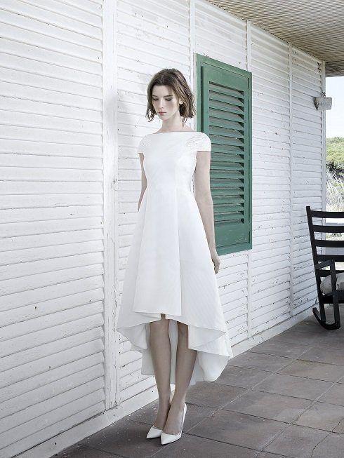 vestidos-de-novia-para-boda-civil-otono-invierno-2017-pequena-cola