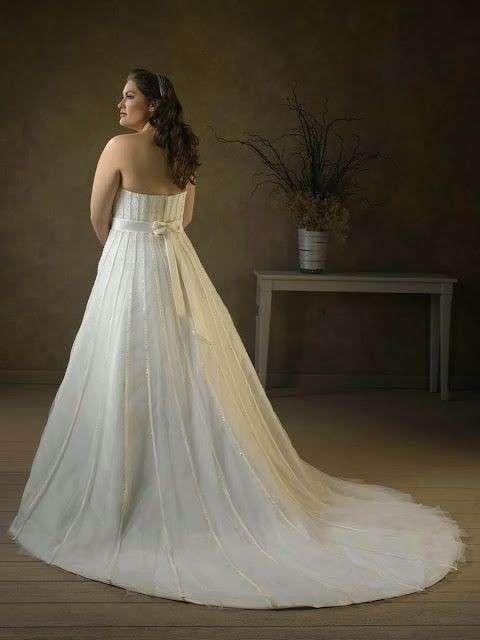 vestidos-de-novia-para-gorditas-otono-invierno-2017-cola