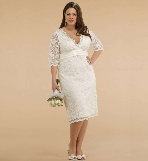 wedding-dresses-for-chubby-autumn-winter-2017-short-lace