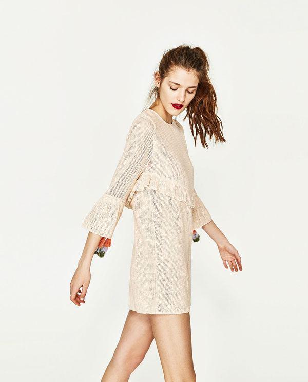 Otro modelo que nos ha encantado con un diseño más juvenil es el que os  mostramos a continuación  Vestidos de fiesta ... fb10e5846193
