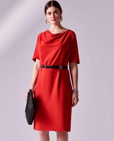 los-vestidos-de-comunion-para-madres-vestido-rojo-cuello-drapeado-talla-grande-adolfo-dominguez-2018-elcorteingles
