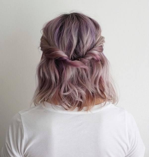 Aquí puedes ver más Peinados de Comunión para invitadas Primavera Verano  2017 con el pelo semi,recogido