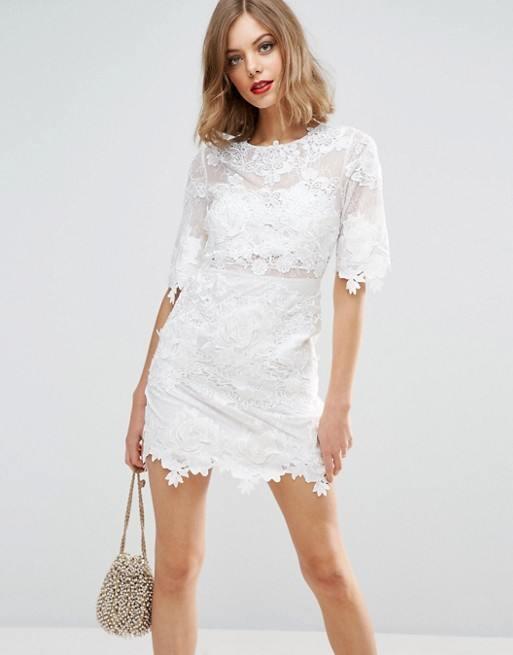 apostar por un vestido corto para el da de vuestra boda supone tambin la eleccin de modelos que sean modernos as tras la inspiracin retro de