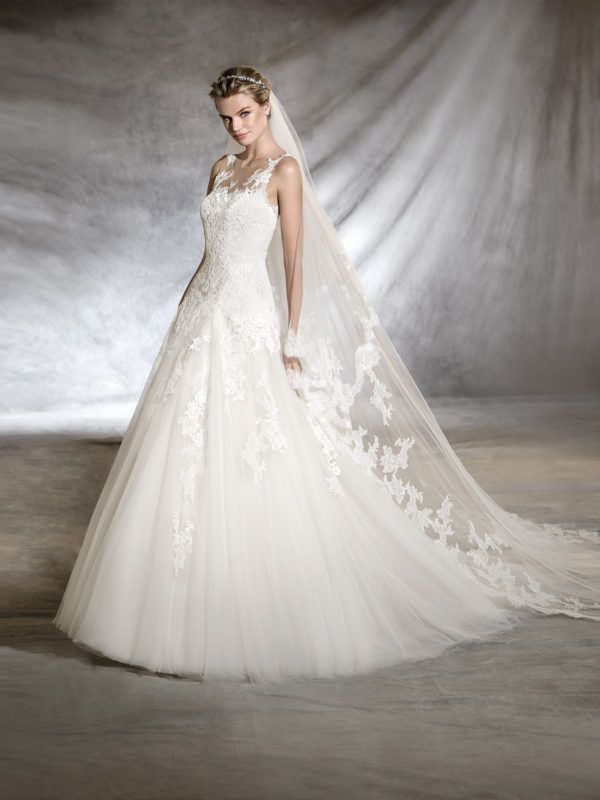 vestidos-de-novia-diferentes-princesa-olwen-2018-pronovias