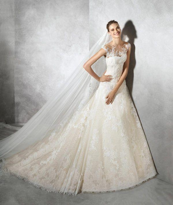 vestidos-de-novia-diferentes-princesa-tamia-2018-pronovias