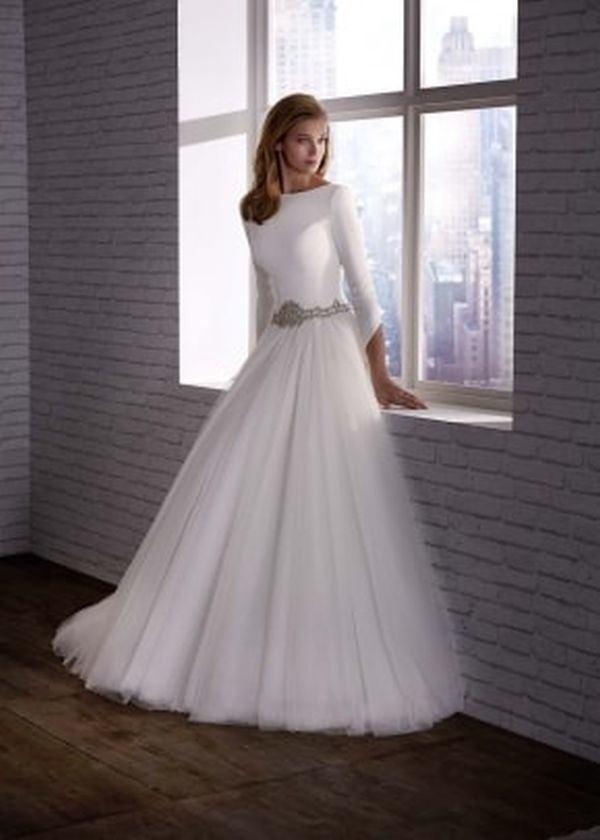 vestidos-de-novia-manga-larga-corte-princesa-valerioluna