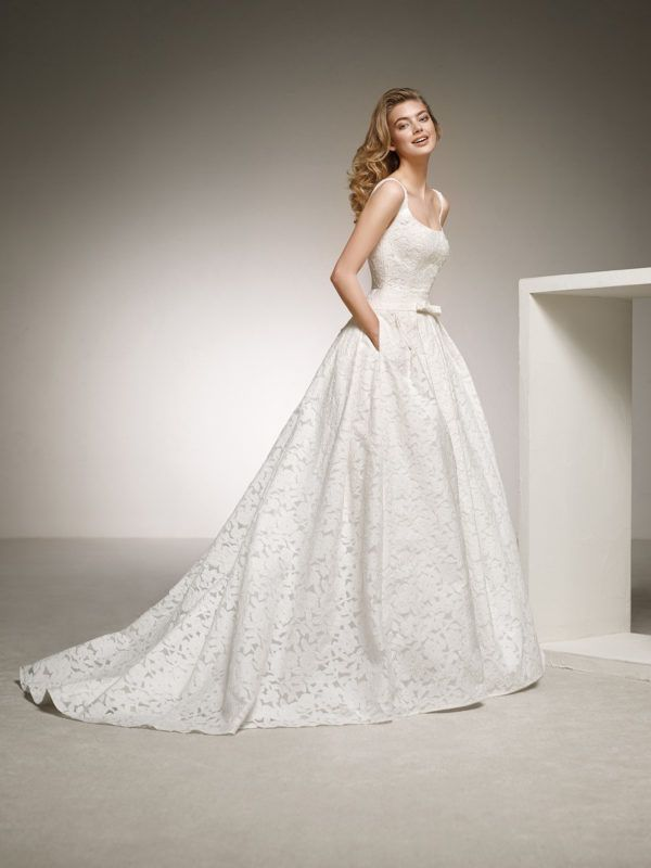 50 Photos with the Most Beautiful Simple Wedding Dresses Winter 2020 - Blogmujeres.com