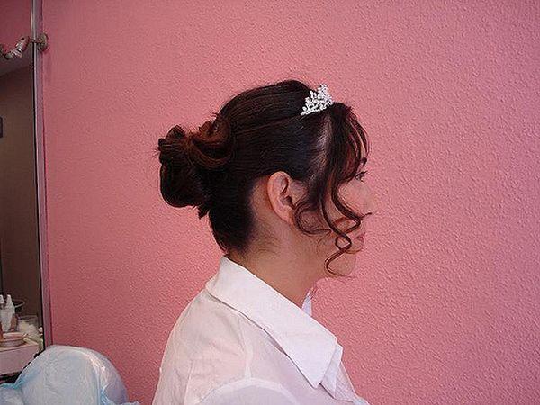 mono-italiano-peinado-corona