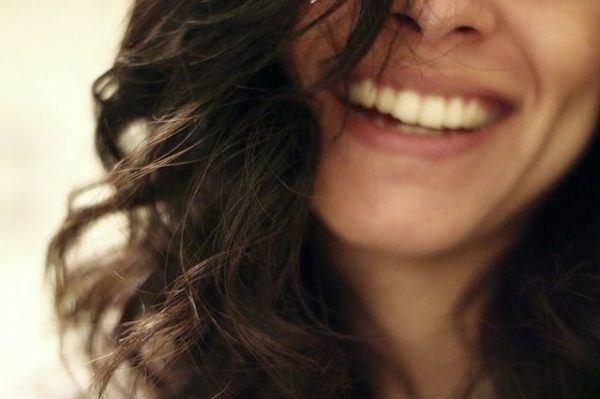 productos-y-remedios-caseros-para-el-pelo-graso-morena-sonrisa