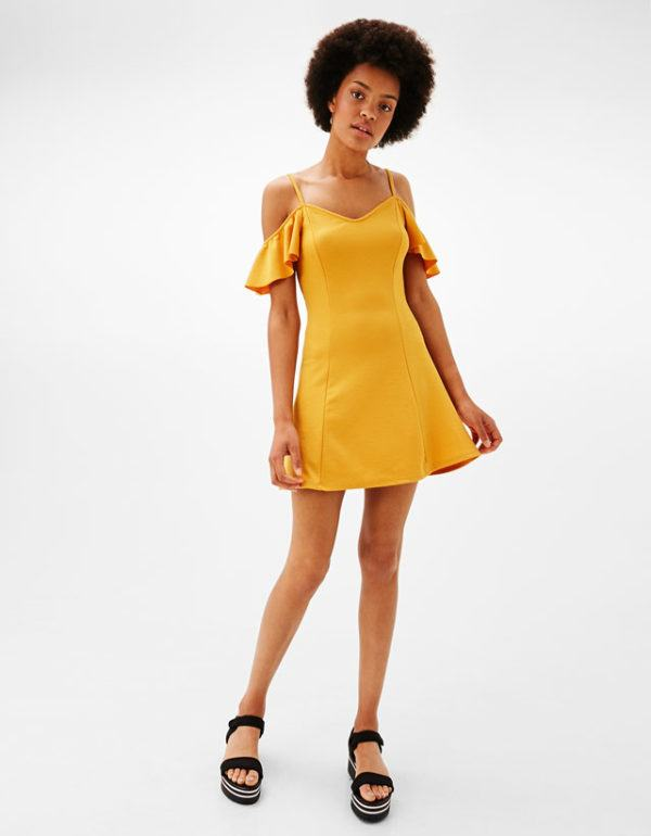 vestidos-amarillos-corto-escote-corazon-berska