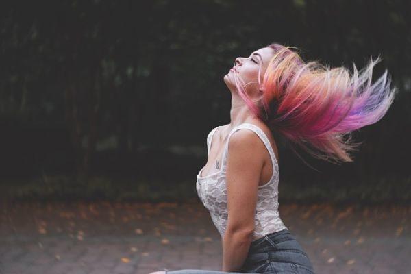 las-mejores-vitaminas-para-el-pelo-modelo-pelirroja