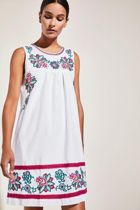 cortefiel-vestidos-cortos-bordado-flor