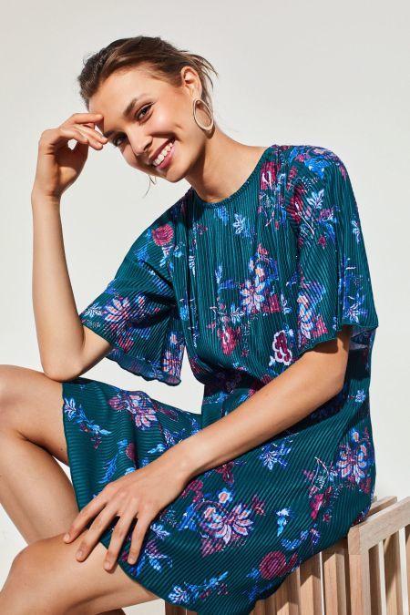 cortefiel-vestidos-cortos-plisado-estampado-flor