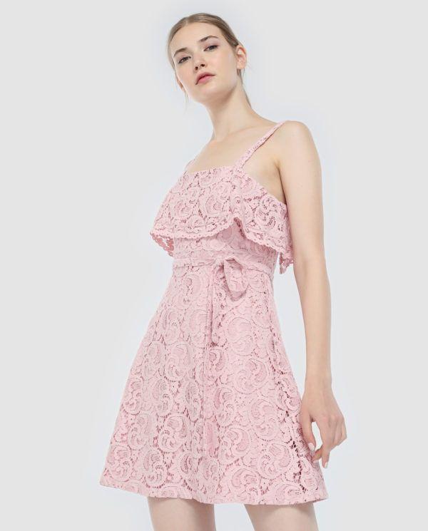 d0c3c0eb5 Otra alternativa más femenina y sensual es este vestido también corto de  Tantra. Cintura elástica