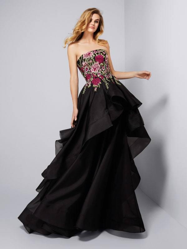 Vestido de tul negro con flores