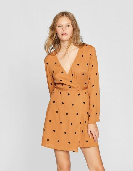 vestidos-stradivarius-cortos-corto-cruzado-print-topos