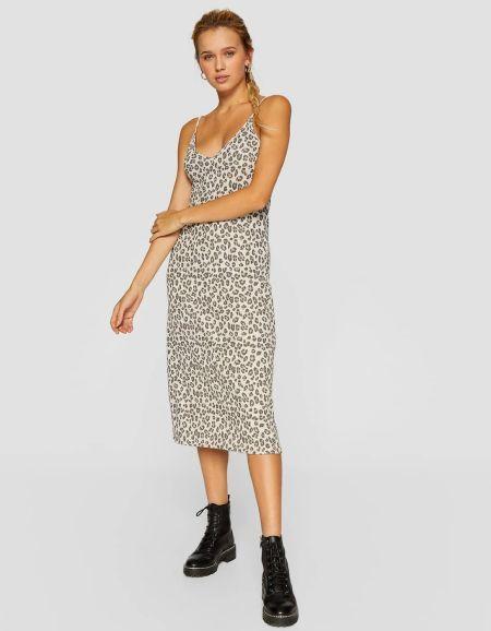 vestidos-stradivarius-lencero-estampado-leopardo