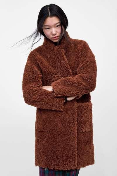 zara-otono-invierno-abrigo-doble-faz-efecto-pelo