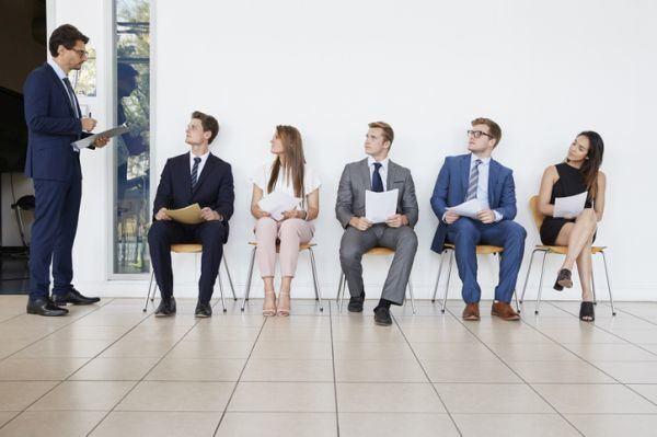 como-vestir-para-una-entrevista-de-tabajo-istock3