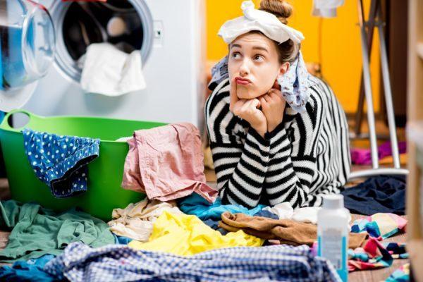 como-limpiar-la-ropa-blanca-istock2