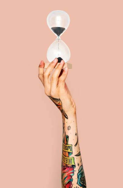 Tatuajes en la mano para mujeres color