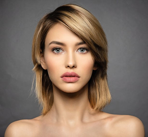 Cortes de pelo corto con flequillo biselado