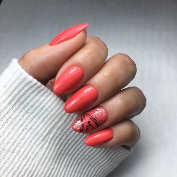 unas-decoradas-coral-adornos-negros-y-blancos-instagram