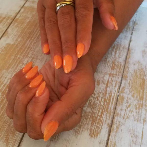 unas-decoradas-naranjas-instagram