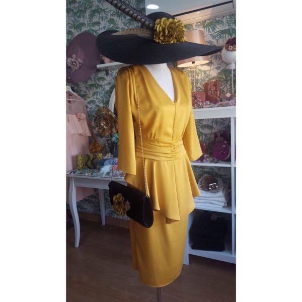 vestidos-de-comunion-para-madres-amarillo-instagram