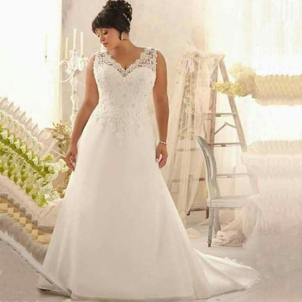 wedding-dresses-for-chubby-neckline-v-brides-xl-instagram