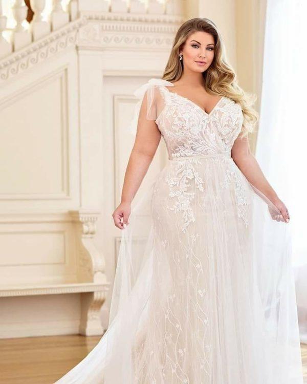 wedding-dresses-for-chubby-lingerie-fina-hilda-instagram